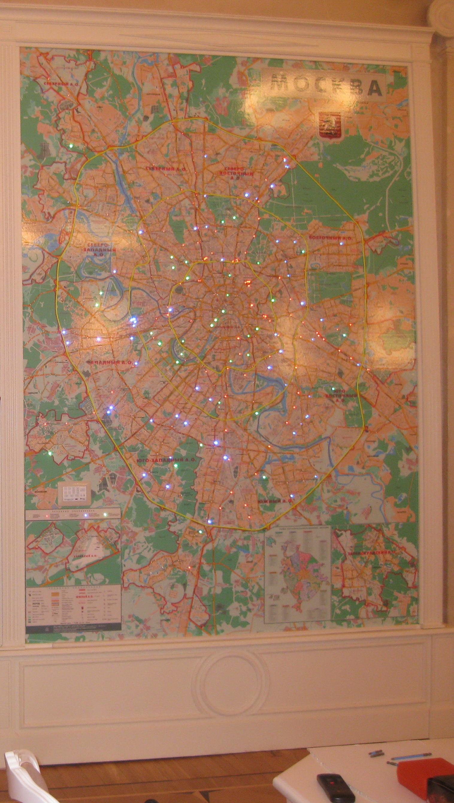 Настенная карта с подсветкой объектов светодиодами